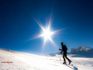 Postal: Esquí, sol y nieve
