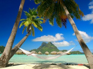 Postal: Hamaca en una playa caribeña
