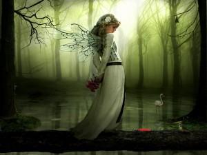 Hada en un bosque encantado