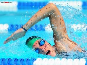 Nadando a estilo croll