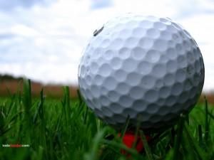Primer plano de una bola de golf