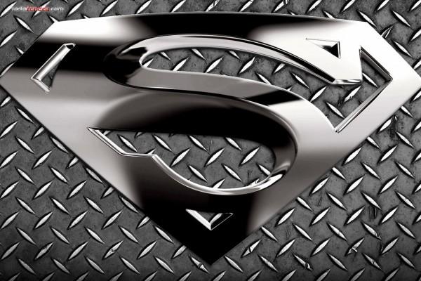 Logo metálico de Superman