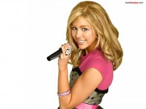 Hannah Montana cantando