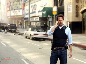 Agente del FBI Mark Benford (Joseph Fiennes) en FlashForward