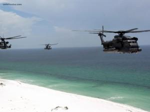 Helicópteros Chopper sobre la playa