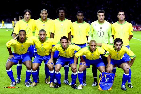 Selección de fútbol de Brasil (año 2004)