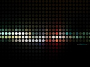 Postal: Esferas de colores sobre fondo negro
