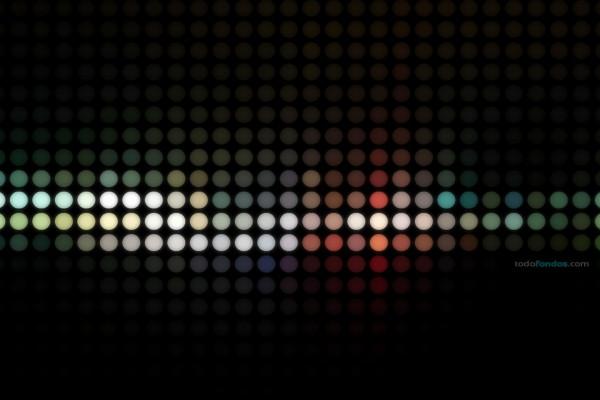 Esferas de colores sobre fondo negro