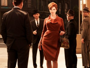 Postal: Joan Holloway (Christina Hendricks)