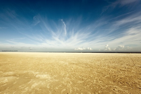 Una playa en Renesse, Zelandia (Países Bajos)