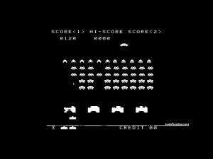"""Jugando al mítico matamarcianos """"Space Invaders"""""""