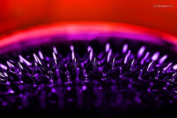 Ferrofluido, líquido que se polariza en presencia de un campo magnético