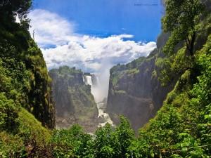Cataratas Victoria, en el río Zambeze, en la frontera de Zambia y Zimbabue
