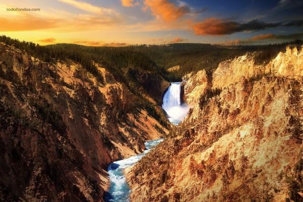 Las Cataratas Bajas de Yellowstone