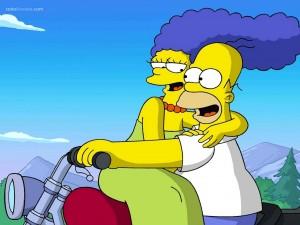 Homer y Marge Simpson en moto