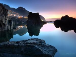 Postal: Aguas tranquilas, en Porto Moniz (Isla de Madeira, Portugal)