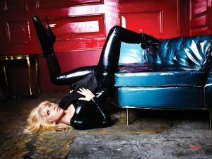 Lady Gaga, cuero y tacones