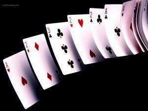 Postal: Cartas de poker volando