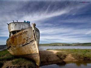 Postal: Barco varado