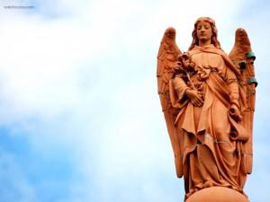 Ángel y cielo