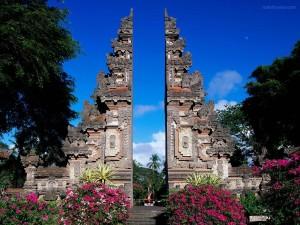 Postal: Monumento en Bali (Indonesia)