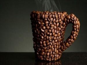 Postal: Taza de granos de café