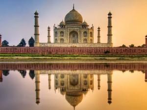 Postal: Vista del Taj Mahal al atardecer