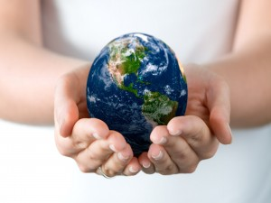 Postal: Sosteniendo la Tierra