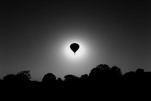 Globo eclipsando la Luna