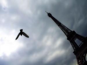 Postal: Nubes sobre París