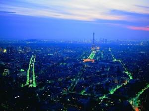Panorámica de París al anochecer