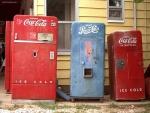 Máquinas antiguas de Coca-Cola y Pepsi