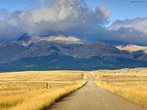 Carretera en las llanuras de Montana