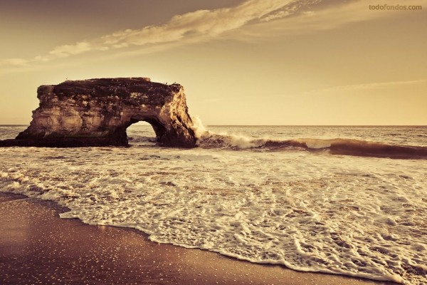 Islote en la playa