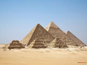 Postal: Pirámides de Guiza (Egipto)