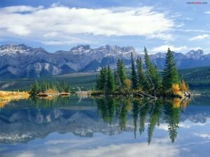 Lago Talbot, en el Parque Nacional Jasper (Canadá)