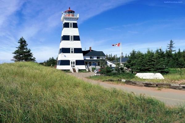 Faro en la Isla del Príncipe Eduardo (Canadá)