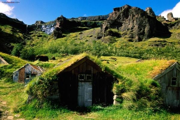 Tejados cubiertos de verde (Islandia)