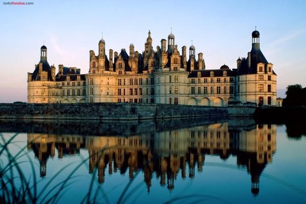 Castillo de Chambord al atardecer (Francia)