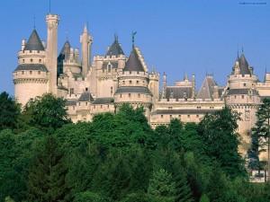 Postal: Castillo de Pierrefonds (Francia)
