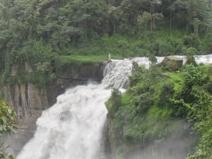 Cascada cerca de Bogotá, Colombia