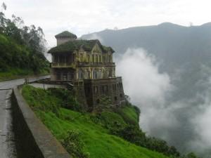Postal: Hotel en la montaña