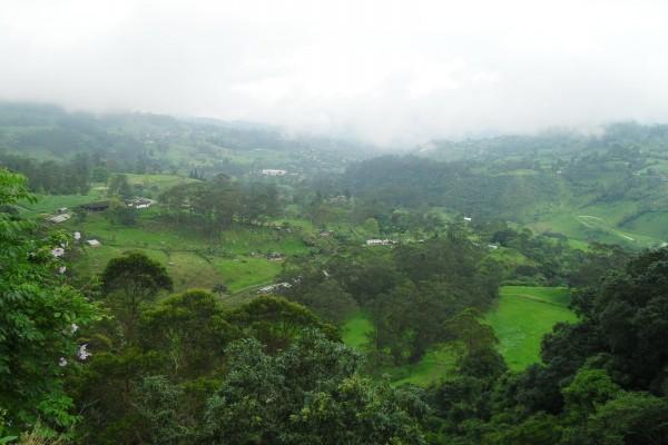 Valle sobre el río Bogotá (Colombia)