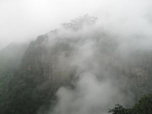 Nubes sobre la montaña