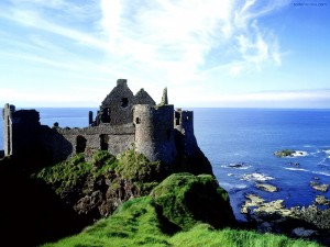 Postal: Castillo de Dunluce (Irlanda del Norte)
