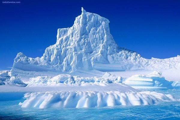 Iceberg, montaña de hielo