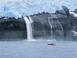 Postal: Piragüismo cerca del hielo