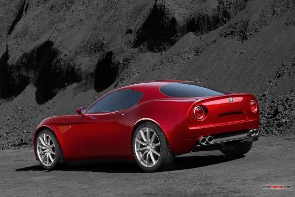 Alfa Romeo deportivo rojo
