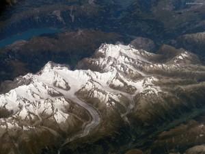 Nieve depositada en las montañas