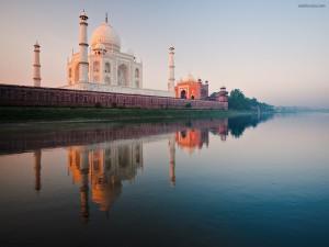 Postal: El Taj Mahal visto desde el río Yamuna